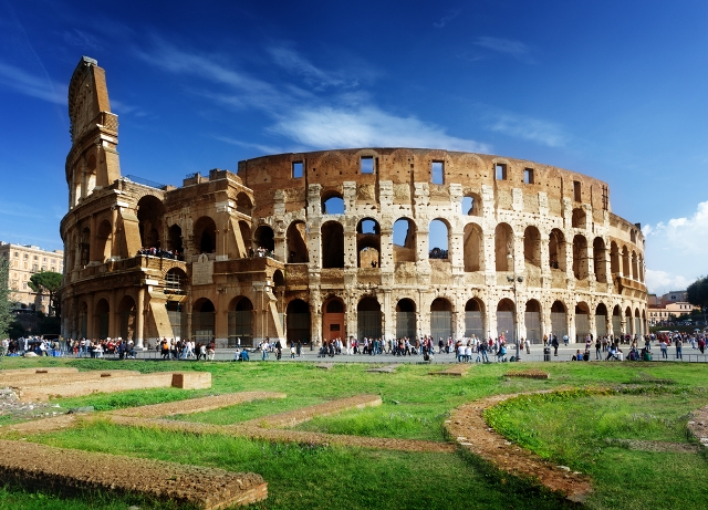 Best Time to Visit Italy - Colosseum