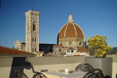 Things to Do in Florence: Savor an Apperitivo Alfresco
