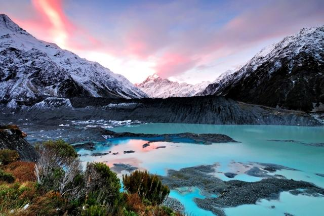 5-reasons-spring-is-the-best-season-to-visit-new-zealand-snowy-peaks-auto-europe