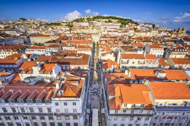 porto vs lisbon summer holidays in portugal. Black Bedroom Furniture Sets. Home Design Ideas
