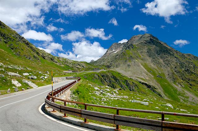 The 5 Best Alpine Drives in Switzerland | Alpine Road Tours